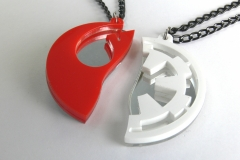 Star-Wars-Rebels-Empire-best-friends-necklaces-Laser-cut-mirror-red-white-plastic-3