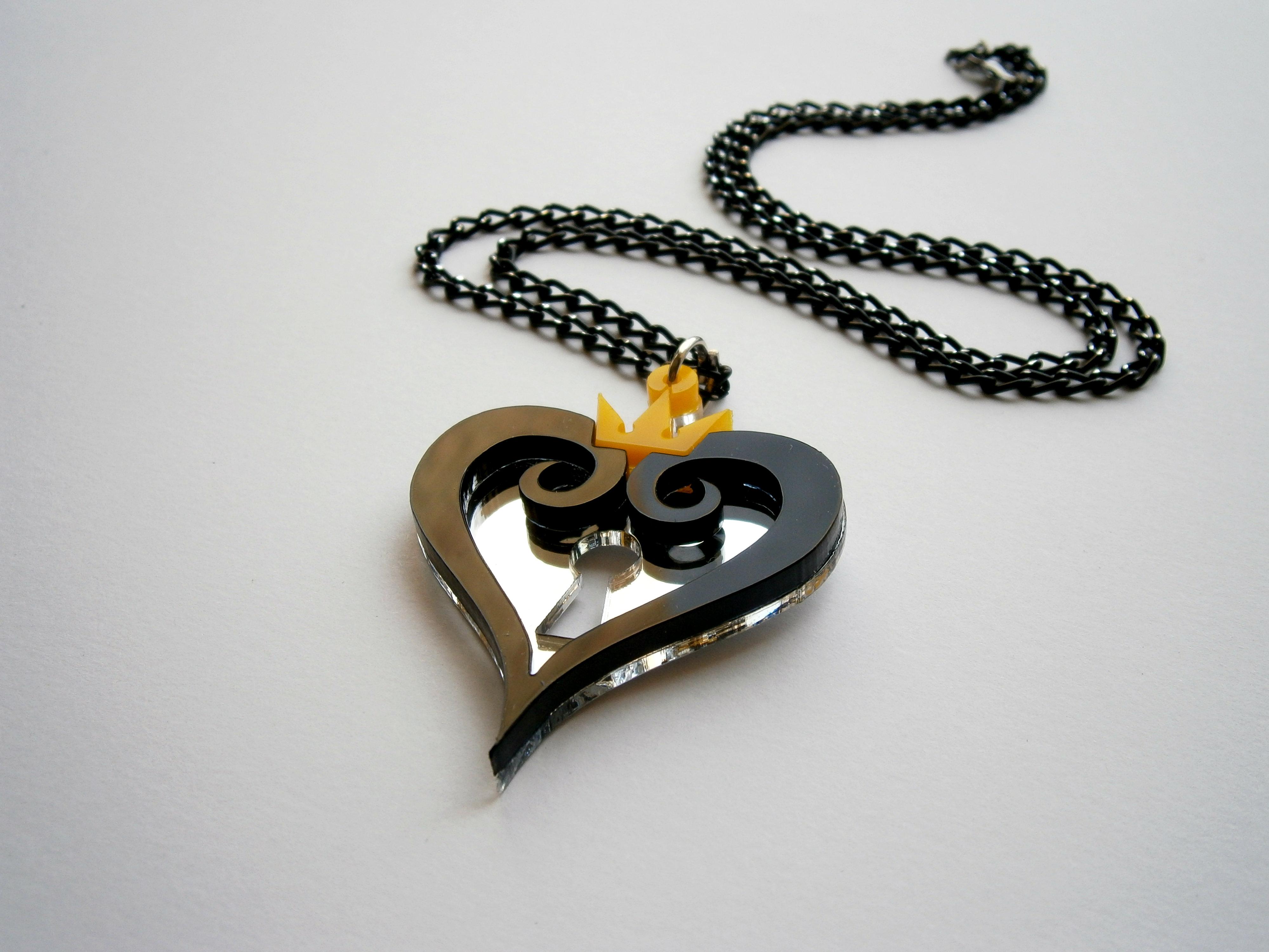 kingdom hearts necklace black hearts emblem pendant