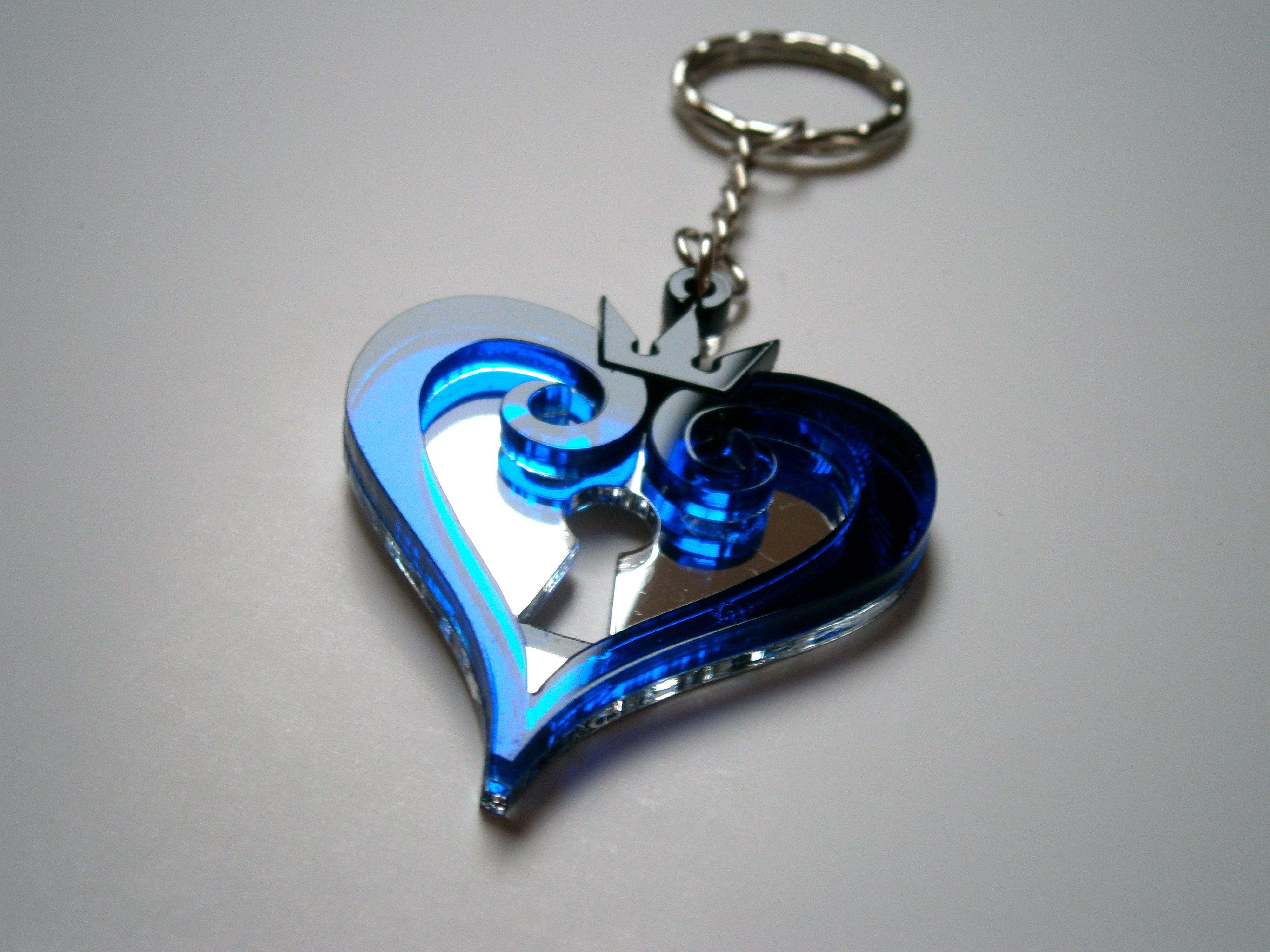 Kingdom Hearts Keychain - Lasercut Blue Acrylic Keychain 04ee421f7